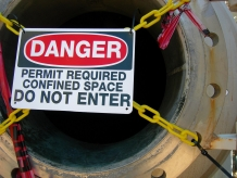 Confined Space Entry: Permit Required Construction (Interactive Online Seat) English