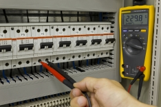 Electrical Safety: Controlling The Hazards (student video course) English Interactive Training