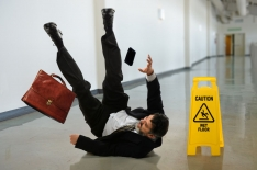 Slips Trips & Falls (Interactive Online Seat) Spanish Interactive Training